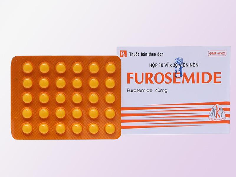 Thuốc Furosemide được dùng khi có các biến chứng như tăng huyết áp, phù
