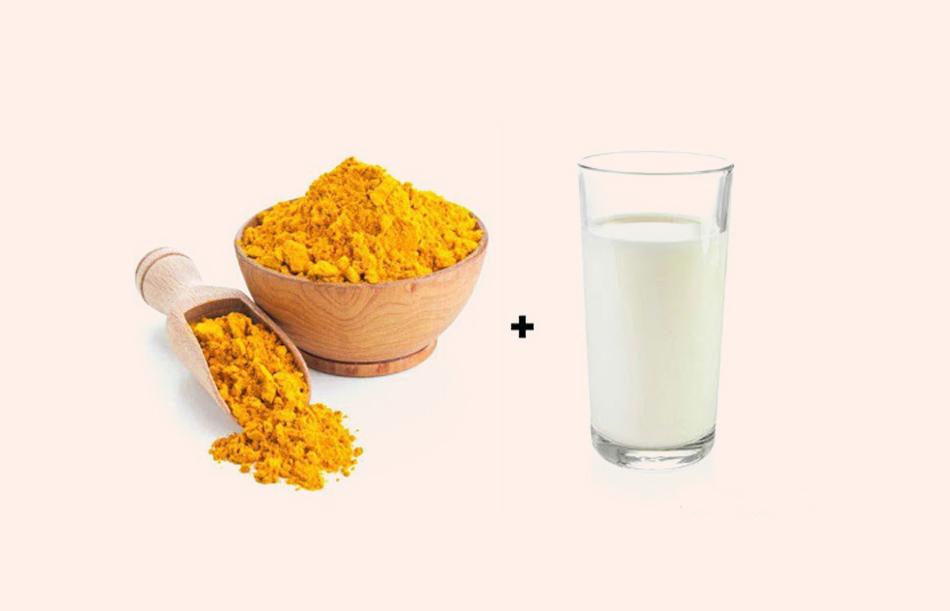Uống sữa nghệ giúp giảm đau bụng kinh dữ dội