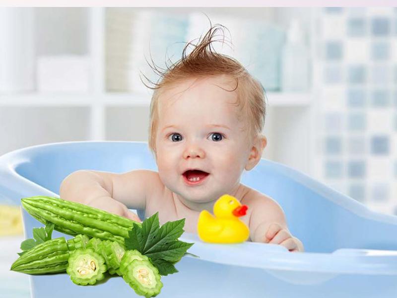 Tắm mướp đắng giúp trị mẩn ngứa, nổi đó, rôm sảy hoặc nặng hơn là các làn da bị kích ứng của trẻ sơ sinh