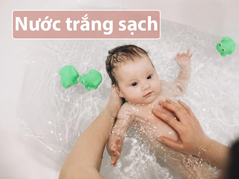Nước trắng sạch cực kỳ an toàn đối với làn da của trẻ nhỏ